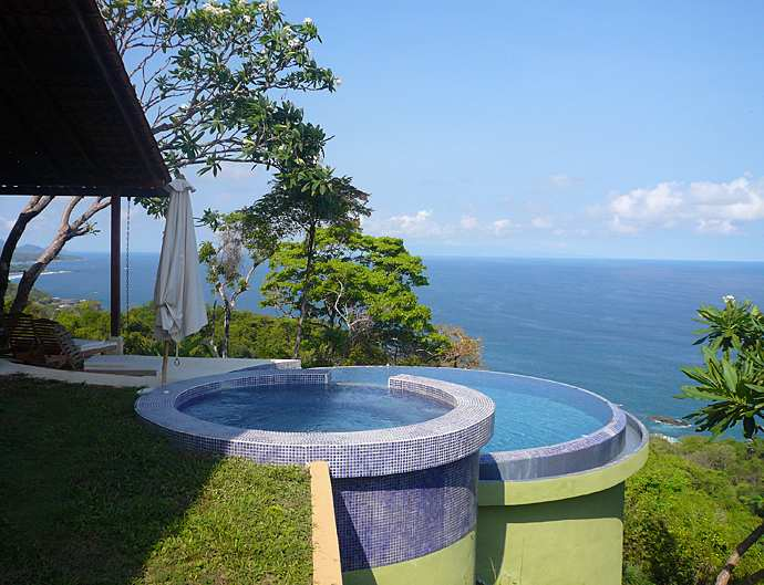 Costa Rica Rental Villa with Infinity Edge Pool